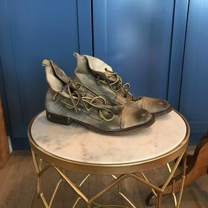ITALIAN LEATHER BOOTS NEVER WORN SIZE 8